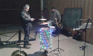 Schlagzeug baut auf